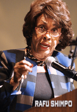 Rep. Maxine Waters (MARIO G. REYES/Rafu Shimpo)