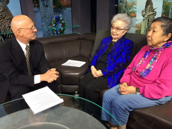 Interviewer Robert Horsting talks with stamp campaign founders Fusa Takahashi (center) and Aiko O. King in Los Angeles on Dec. 20. They discussed honoring Japanese American veterans through a National Japanese American Memorial to Patriotism During World War II Commemorative stamp. (Photo by Wayne Osako)