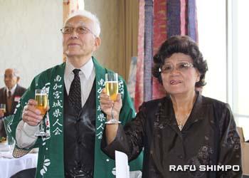 米澤会長(左)と奥さんの純子さん