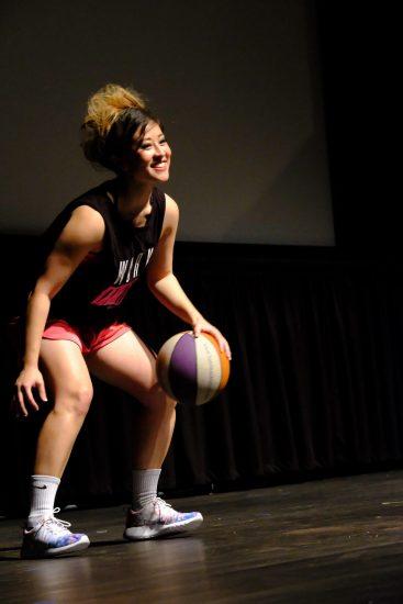 Samantha Tsukiji's on-stage talent during the program was basketball. (Photo by Kahn Yamada)