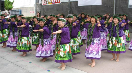 GVJCI Senior Hula at last year's Matsuri Carnival. (J.K. YAMAMOTO/Rafu Shimpo)