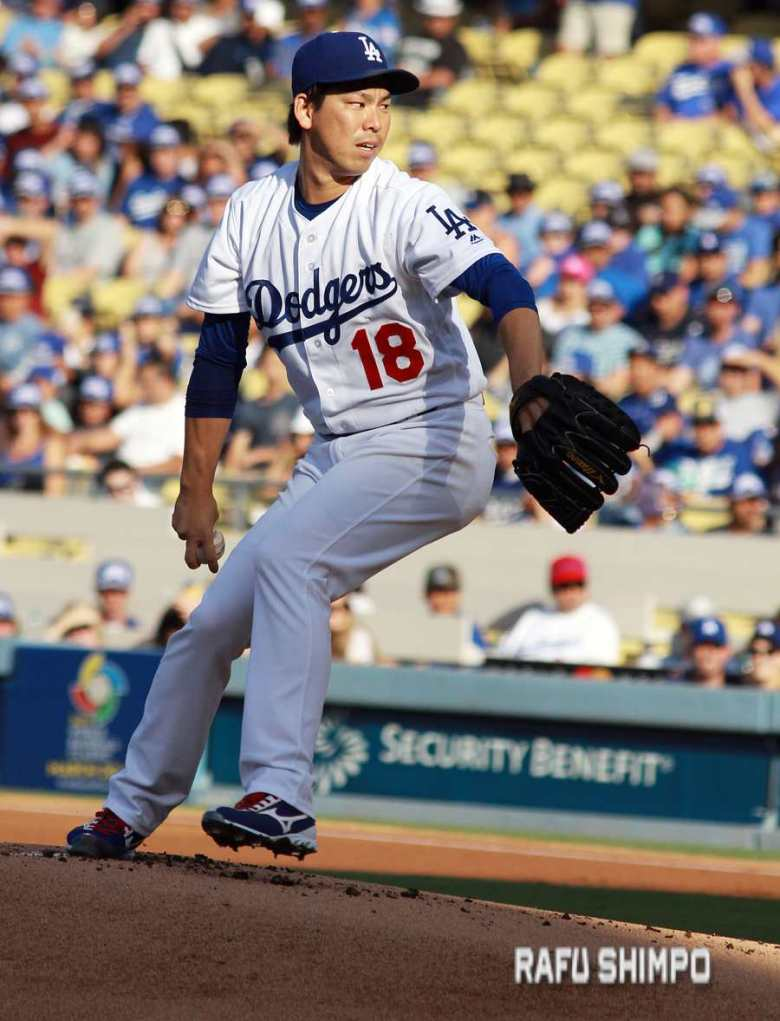 Kenta Maeda was firing on all cylinders Monday, striking out eight D-Backs and posting his 14th win in the Dodgers' 10-2 victory. (MARIO G. REYES/Rafu Shimpo)