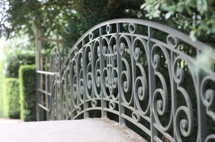 Pont rejoignant les domaines du Grand et du Petit Trianon