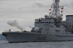 Le cannonnier du Latouche-Tréville en action