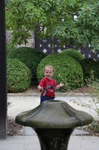 Fontaine de vie, au jardin du Prieuré de Locmaria de Quimper