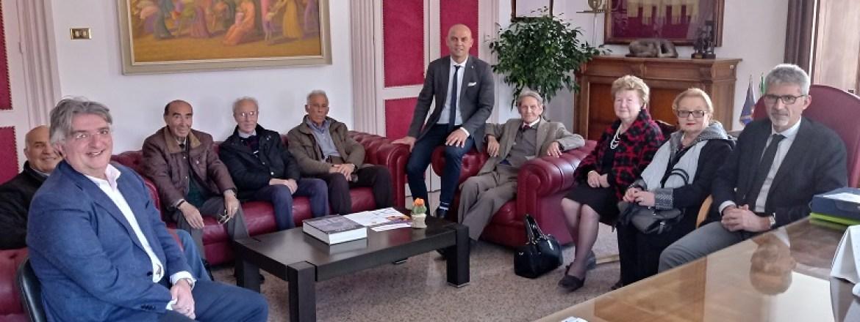 Una delegazione dei Maestri di Lavoro di Ragusa dal sindaco Cassì per gli auguri di Pasqua