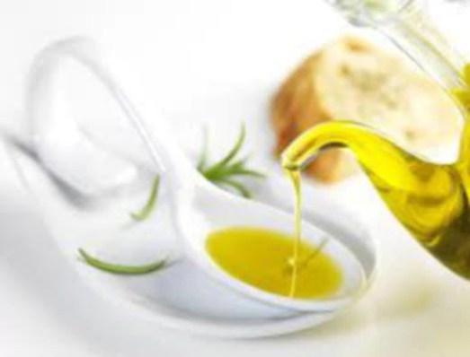 Kandungan buah zaitun digunakan dalam bidang kecantikan dan kesihatan wanita.