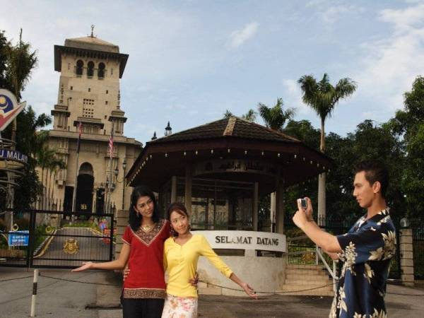 Bangunan sejarah Sultan Ibrahim dibina pada tahun 1938 dan dijadikan sebagai pusat pentadbiran kerajaan negeri Johor.