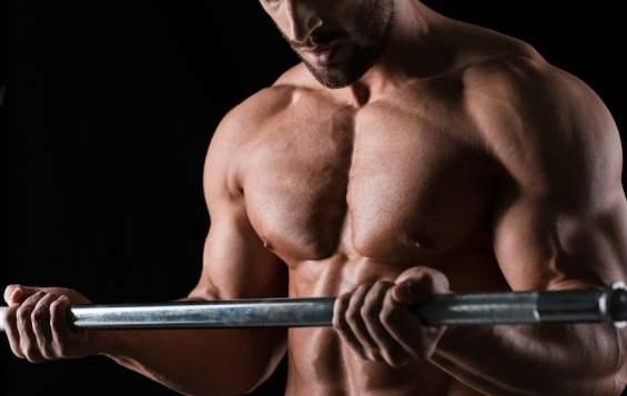 Cara melakukan senaman kemut bagi kaum lelaki ialah dengan merapatkan kedua-dua paha dan mencengkam lubang najis serta lubang kencing.