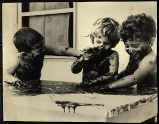 1963 ברק כהן, רעיה שפריר, אמוץ אוסרי. צילם: אבי רונן