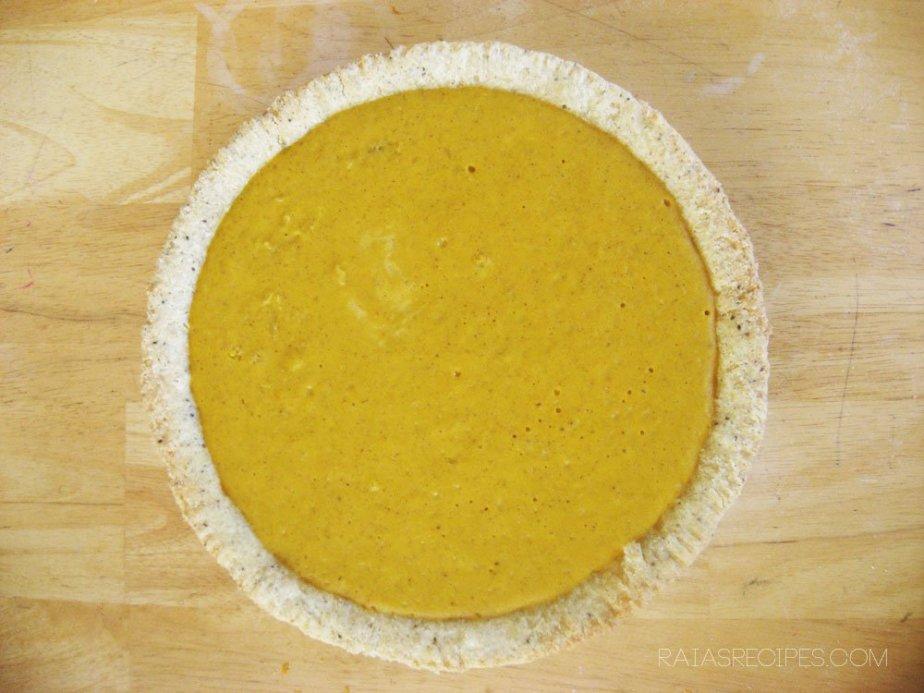 Homemade No-Bake Pumpkin Pie | gluten-free, egg-free, with dairy-free option | RaiasRecipes.com