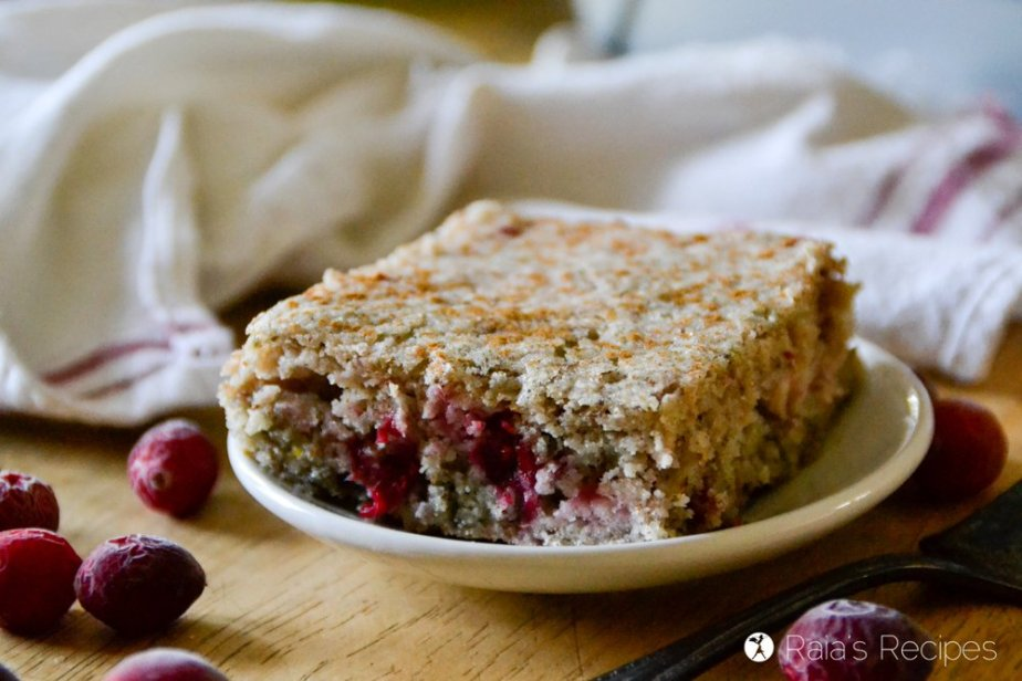 Full of festive, allergy-free goodness, this Cinnamon Cranberry Coffee Cake is the perfect breakfast or brunch for the holidays! | RaiasRecipes.com