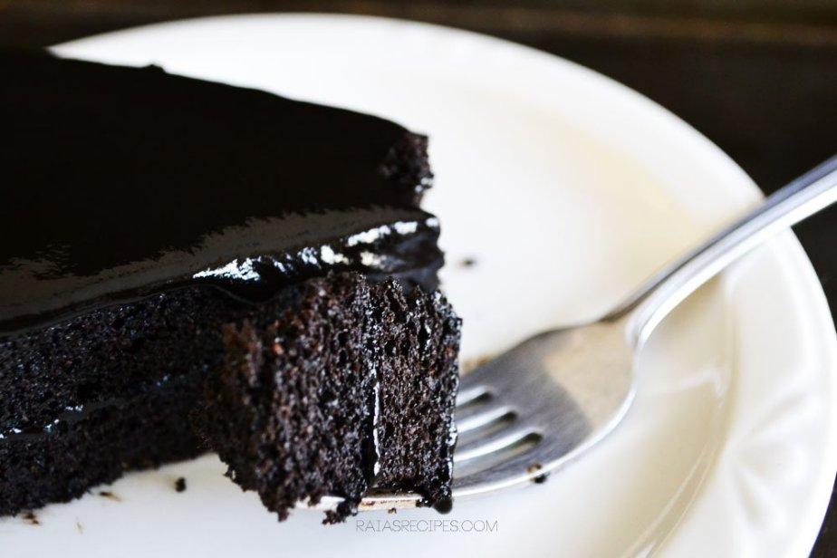 Spiced Dark Chocolate Cake   grain-free, dairy-free, refined sugar-free   RaiasRecipes.com