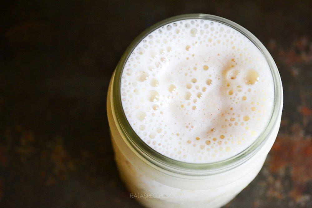 Healthy Eggnog Smoothie | grain-free, gluten-free, dairy-free, refined sugar-free | RaiasRecipes.com