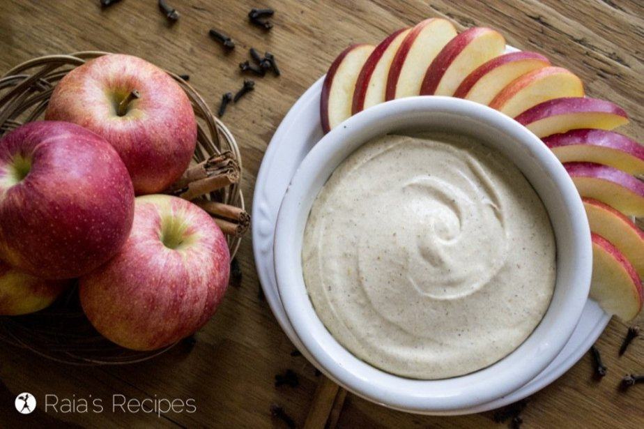 Whether you're looking for an appetizer, snack, or lunch, this dairy and refined-sugar free Pumpkin Spice Fruit Dip is a delicious treat!   RaiasRecipes.com