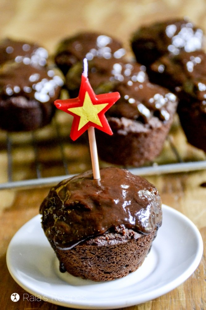 These decadent Dark Chocolate Cupcakes with Chocolate Frosting are paleo and GAPS-friendly, and perfect for a healthy treat! RaiasRecipes.com