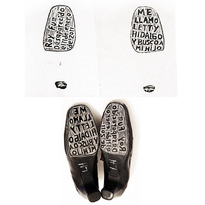 Huellas, grabado sobre suelas de zapatos y tinta. Artista: Alfredo López Casanova. Proyecto: Huellas de la memoria, México.