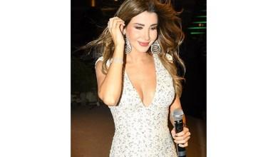 صورة نانسي عجرم موفّقة في خيارها للفستان الأبيض المطرّز في حفلة قبرص