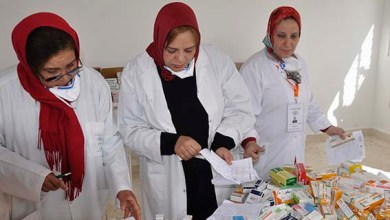 صورة استفادة حوالي 2200 شخص من فحوصات في مختلف التخصصات وأدوية بالمجان بسوق الطلبة