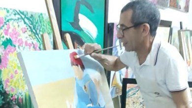 صورة الفنان التشكيلي مصطفى ندلوس .. لوحاتي تنبع بالجمال، وزوجتي سر سعادتي