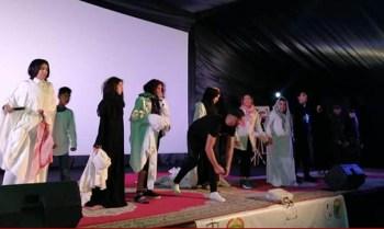 الفنان ربيع الضمراوي يجازف رفقة فرقته المسرحية ويحضر لجولة فنية رغم أزمة كرونا.