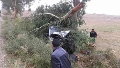صورة مصرع ثلاثة إخوة في حادث ارتطام سيارة بشجرة نواحي اقليم برشيد سير .