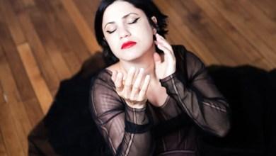 صورة آمال مثلوثي تغني في دار الأوبرا المصرية لأول مرة