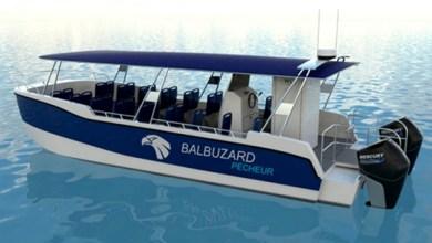 صورة باخرة ترفيهية للتنقل بين شواطئ الحسيمة تعزز العرض السياحي بالإقليم