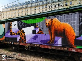 An 'art' container on a DB platform, as seen at Gare de l'Est in Paris (FR) on 02.02.2019 Photo: Julien Michel