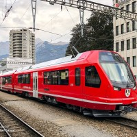 [CH] In the picture: The «Capricorn» of the Rhaetian Railway on test