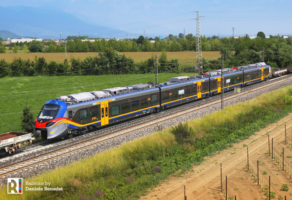 [IT] Coradia Stream hits the tracks - ETR 104 001 leaves Italy