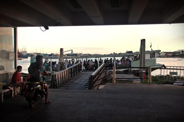 mahachai-ferry-02