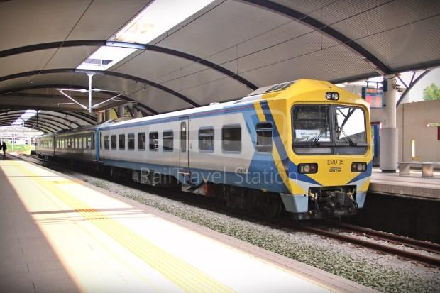 81 Class EMU05 01
