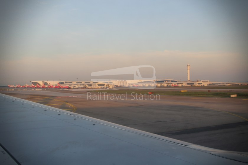Malaysia Airlines MH602 SIN KUL for LHR 075