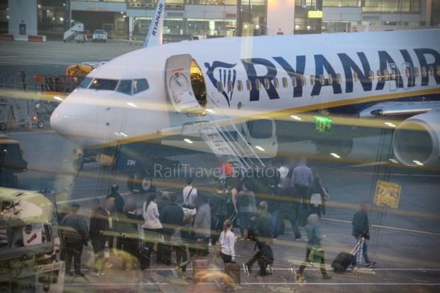 Ryanair FR666 DUB BHX 038
