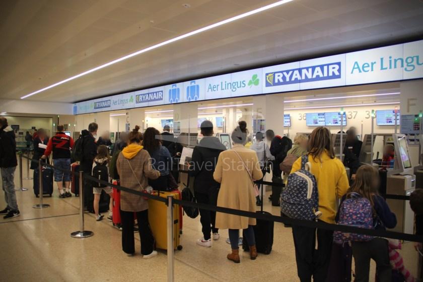 Ryanair FR671 BHX DUB 001