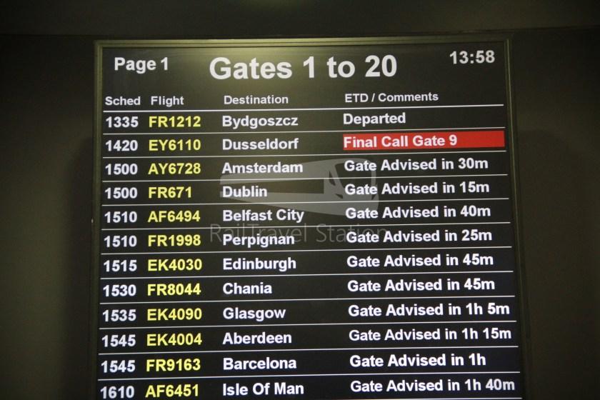 Ryanair FR671 BHX DUB 010