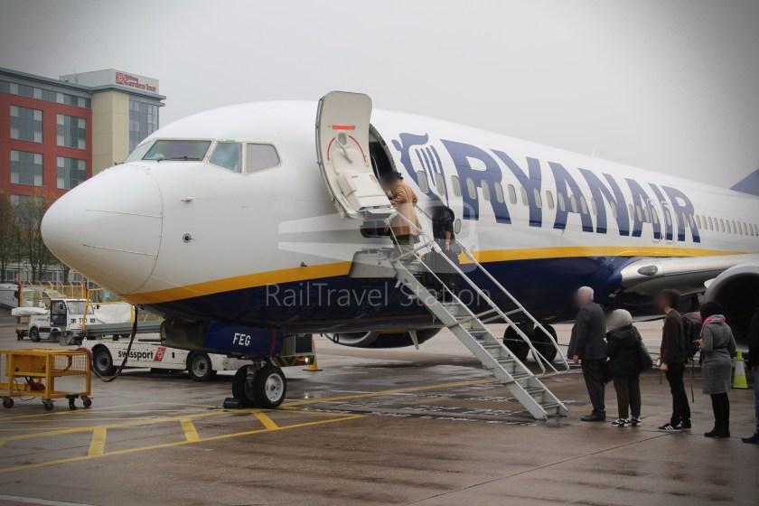 Ryanair FR671 BHX DUB 032