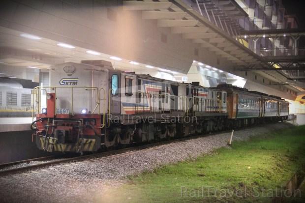 YDM 6697 01