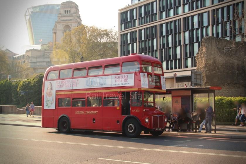 15H (Heritage) Charing Cross Trafalgar Square Tower of London 083