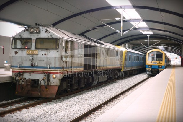 82 Class Hybrid Train 08