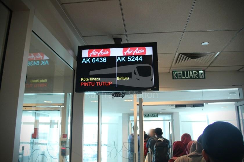 AirAsia AK6436 KUL KBR 035