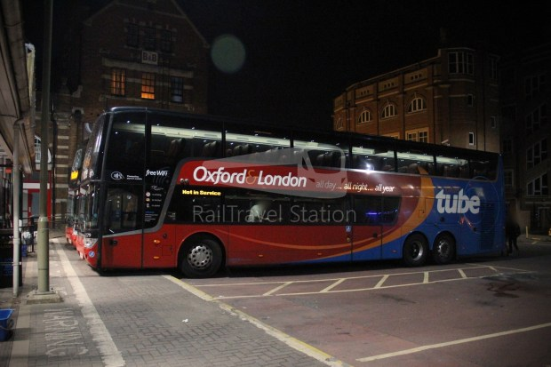 Oxford Tube London Victoria Station Stop 10A Oxford Gloucester Green Bus Station 018