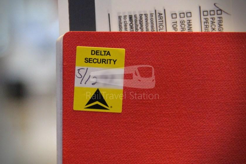 Delta DL169 NRT SIN 013