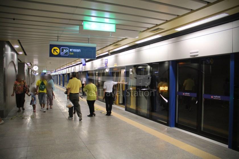 MRT Blue Line Hua Lamphong Tha Phra Extension 044