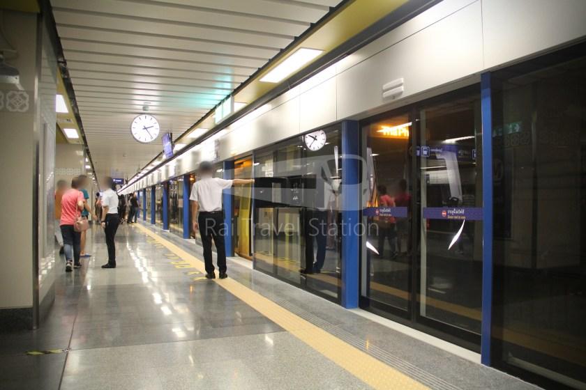 MRT Blue Line Hua Lamphong Tha Phra Extension 066