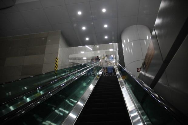 AREX Express Train Incheon International Airport Terminal 1 Seoul Station 086