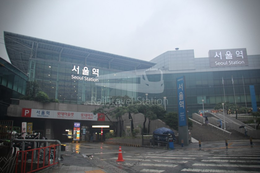 AREX Express Train Seoul Station Incheon International Airport Terminal 1 001