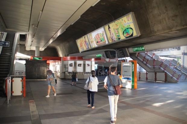 BTS Sukhumvit Line Chit Lom Phaya Thai Siemens Inspiro 012