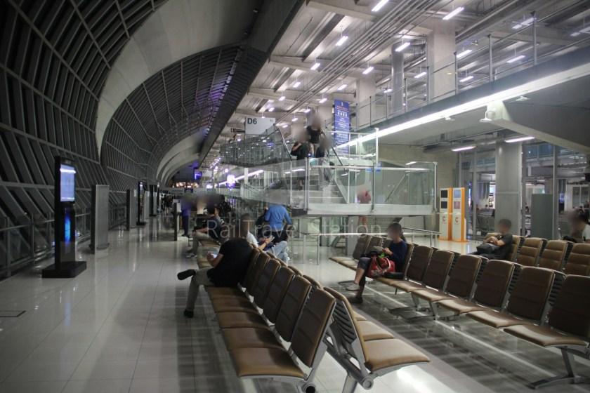 Singapore Airlines SQ983 BKK SIN 025